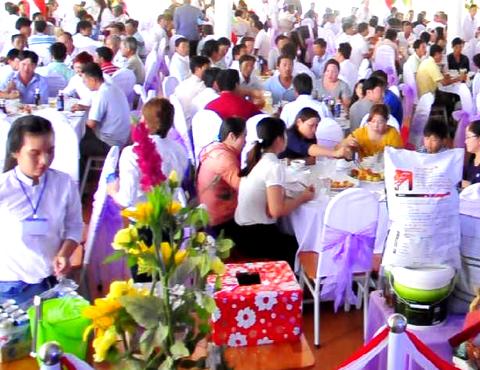 Tổ chức hội nghị tại Nhà hàng tiệc cưới Chú Cuội
